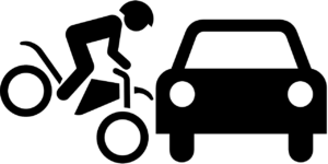 Moto chocando con coche